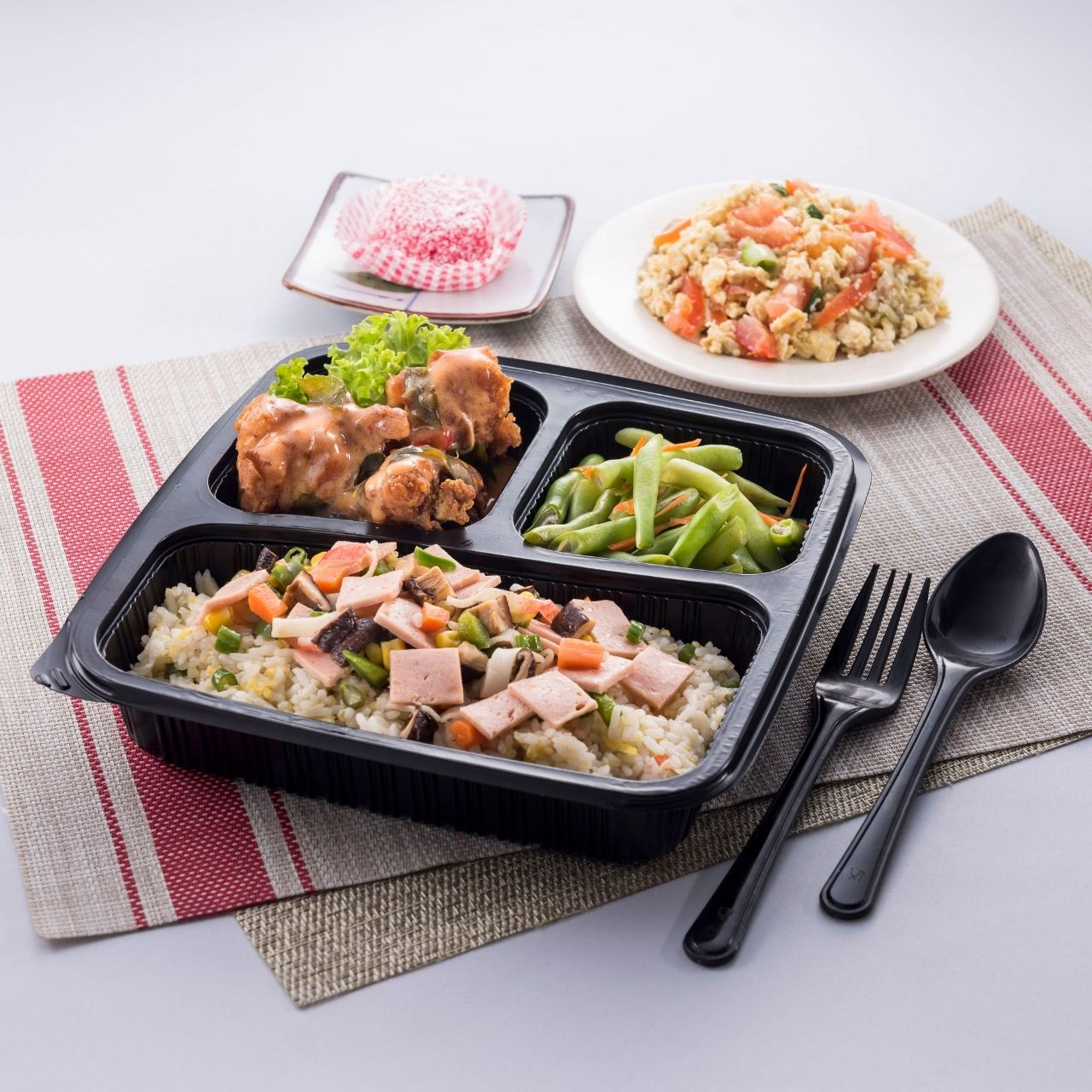 runningmen catering bento box 8 treasure fried rice with mongolia chicken