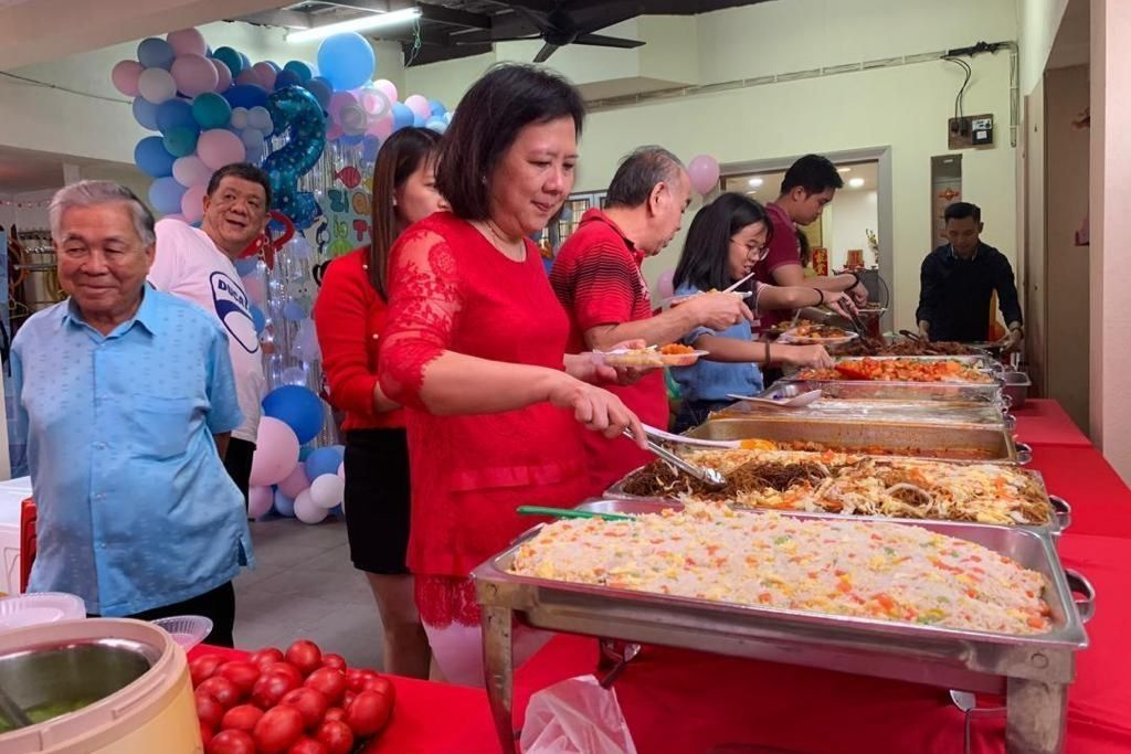 runningmen catering buffet line serving on wedding