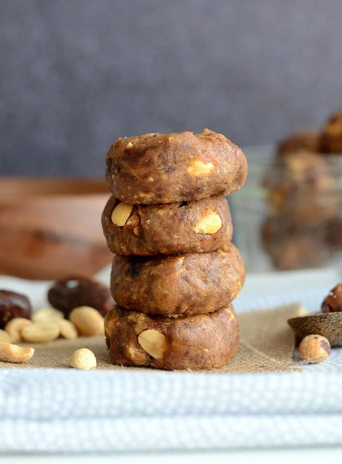 Raw Peanut Butter Chocolate Chip Cookies | vegan, oil-free, gluten-free