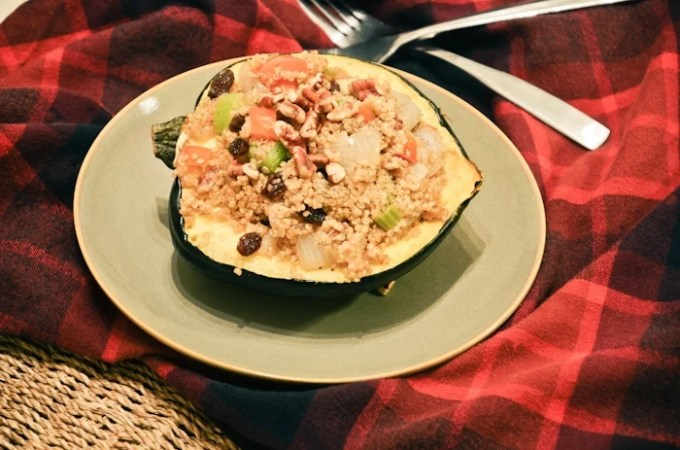 Pecan, Raisin & Quinoa Stuffed Acorn Squash