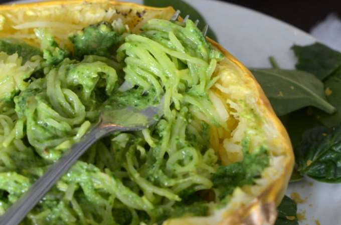 Low Fat Pesto Spaghetti Squash