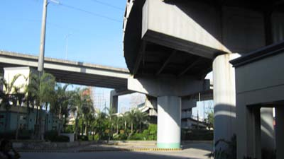 On the other hand, only in Makati City was a park present along EDSA (below it to be precise).