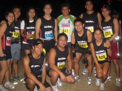 How to spot a running bandit: No race bib! Thanks Que for the photo.