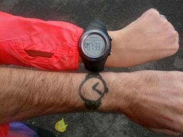 Nos montres du jour : heure du levé de soleil pour moi, factice pour PAP.