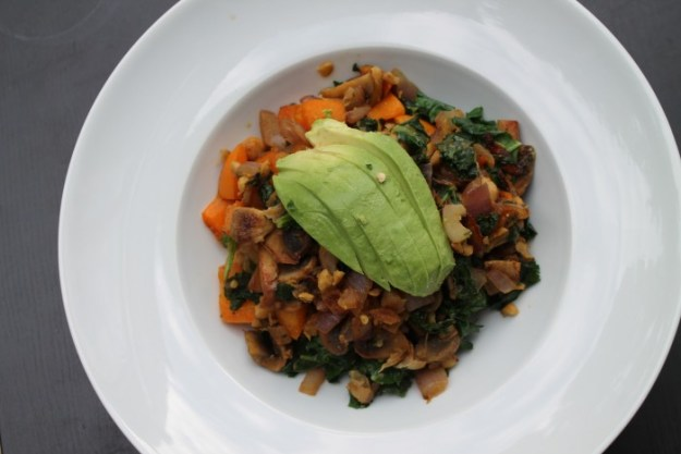 [RECIPE] Chickpea Scramble for One | via @runwithtongs