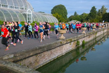 Richmond Running Festival runners at Kew Gardens