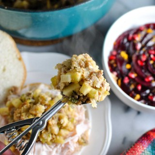 ummm I'm SO excited to share my momma's stuffing recipe with you guys. it's delish and amazingggg in a thanksgiving sandwich! turkey, cranberry, and STUFFING on a roll. | thepikeplacekitchen.com