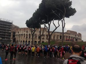 Arriving at the colosseo before the race.