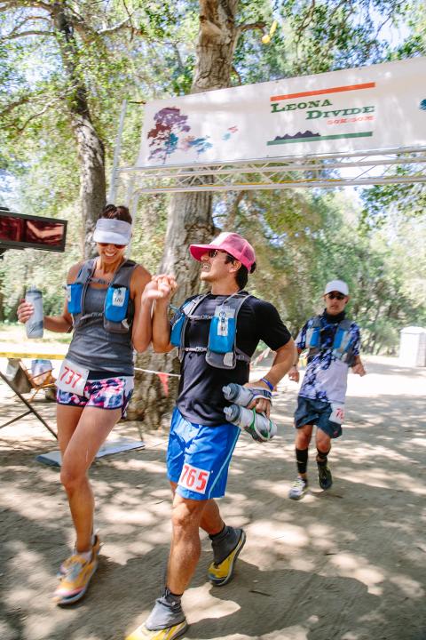 Stephanie Plomarity Photography, Leona Divide, 50k, 50 mile finish line, ultramarathon, lululemon, altra running