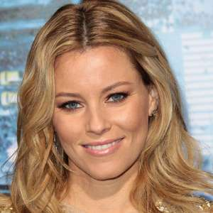 Elizabeth-Banks-as-Wyldstyle