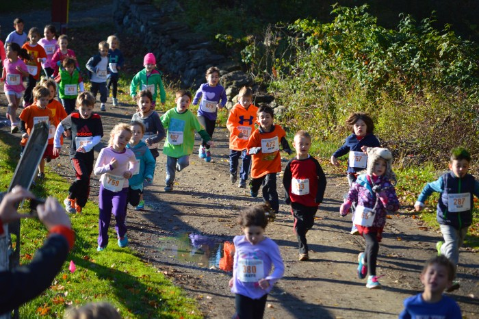 Start of the Kids Run The Farm 2014 6 & Under Race (photo by Ryan Hurst)