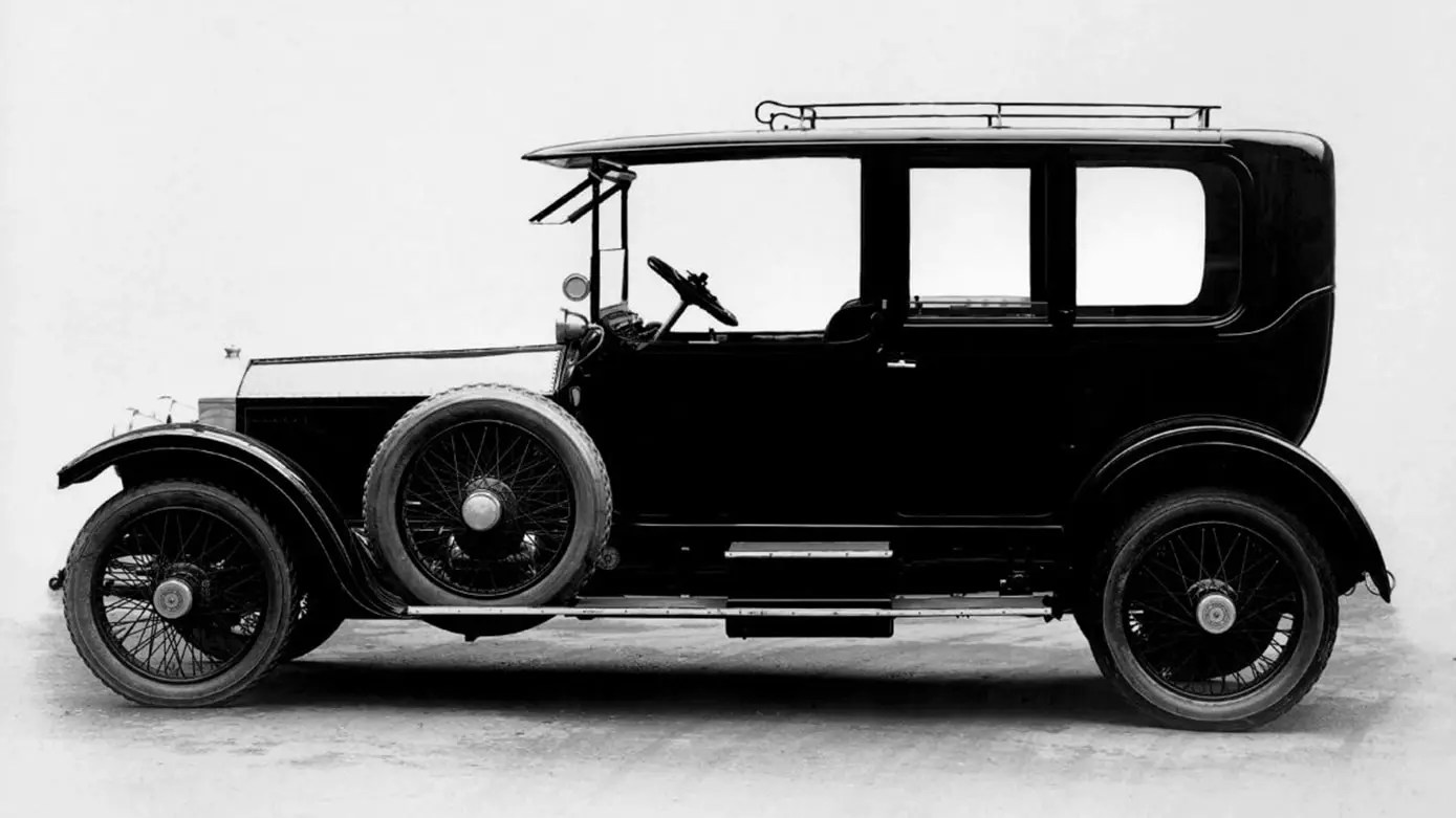 rolls royce a brief history In fact, several years later the silver ghost would be called the best car in the  world historical rolls-royce vehicles that's a recognition that.