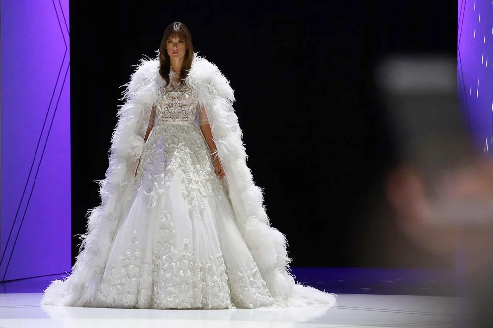 Ralph-Russo-SS17-spring-summer-2017-bridal-gown-alessandra-ambrosio