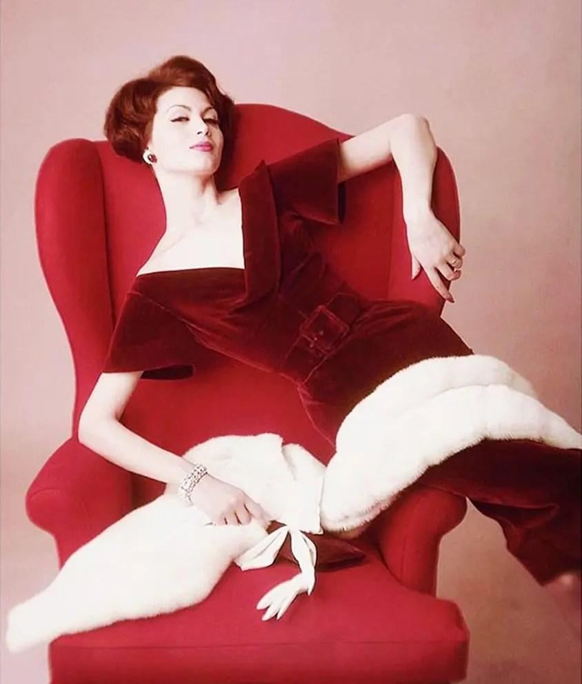 divina-ispirazione-isabella-albonico-1959-photo-john-rawlings-eleonora-de-gray-runway-magazine