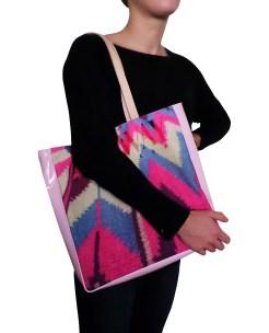 vinyl-leather-bag-pink-model1-4
