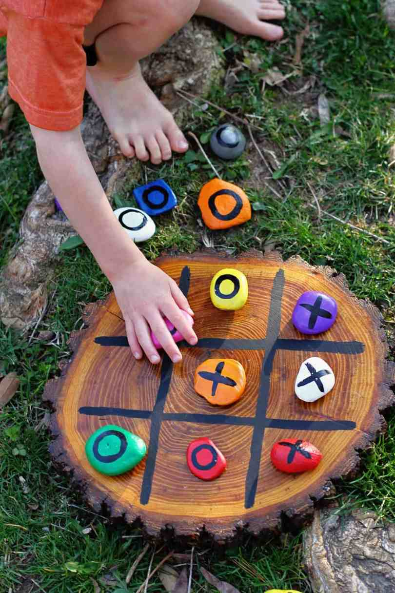 DIY wooden board tic-tac-toe painted rocks