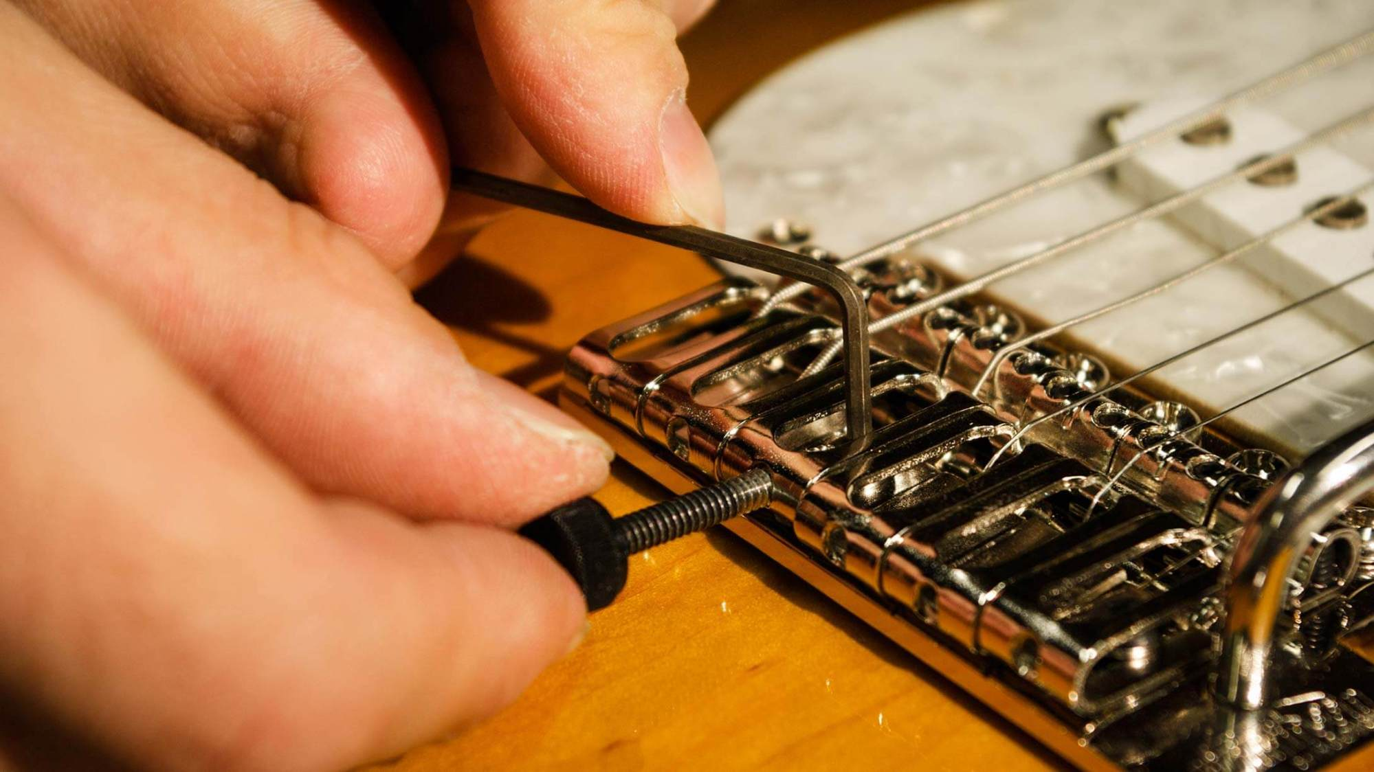 hight resolution of all ruokangas guitars have proven to be extremely well in tune when adjusted correctly notice that setting the intonation must always be done with a