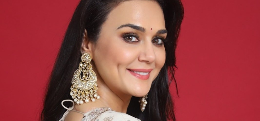 Preity Zinta terms 'Jaan-E-Mann' a 'mad movie,' as film completed 14 years 1