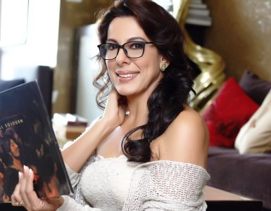 Pooja Bedi: I have really liked all my father's girlfPooja bediriends, and wives, including Parveen Babi 14