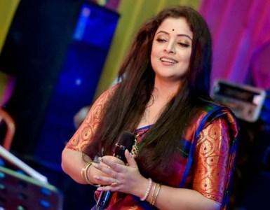 """কণ্ঠশিল্পী প্ৰিয়ংকা ভৰালীৰ নতুন গীত """"মনকোঁৱৰ"""" 2"""