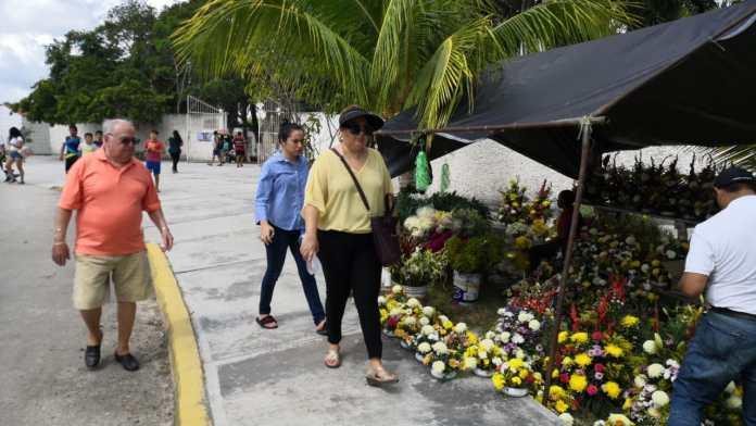 Ahora se cobró más por metro a los vendedores de flores.