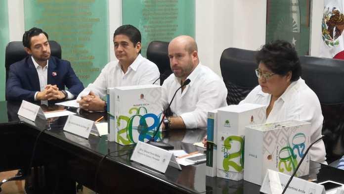José de la Peña Ruiz de Chávez recibió el paquete fiscal 2020