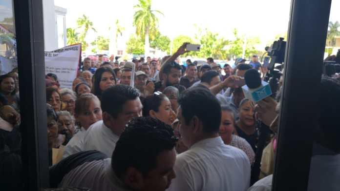 Manifestación de por lo menos 120 habitantes del fraccionamiento Nueva Generación.