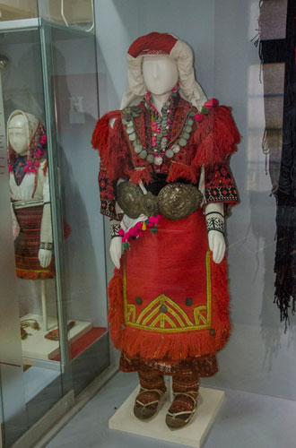 Mariovo folk costume - Woman