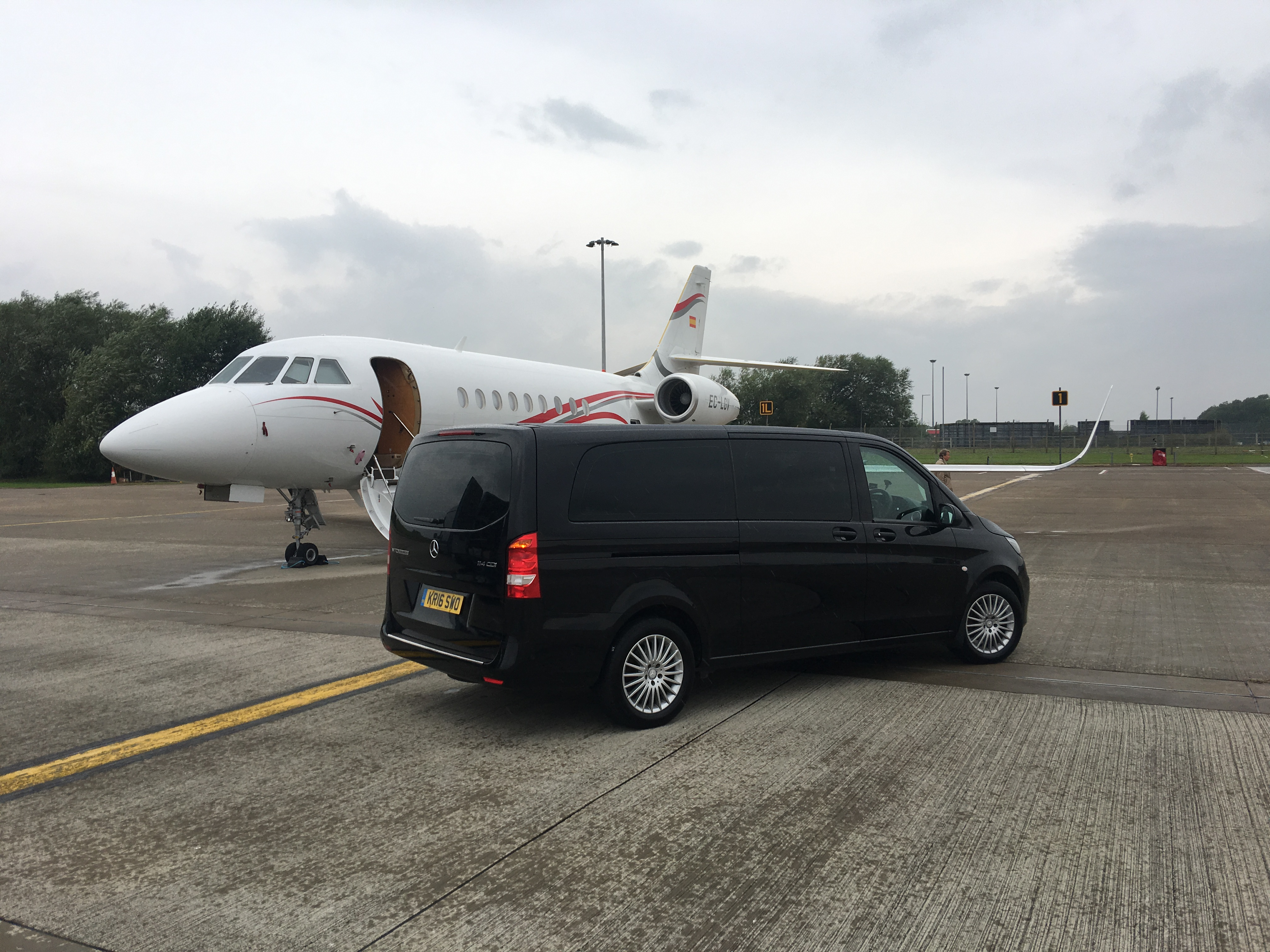 Mercedes V-Class Taxi at Durham Tees Airport