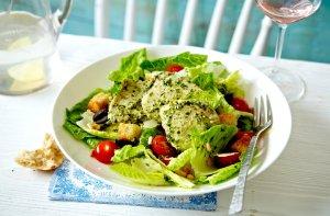 Salada de frango com pesto
