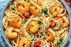 Esparguete com camarão à guilho