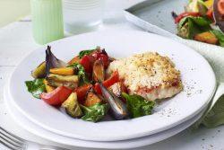 Filetes de pescada no forno com legumes