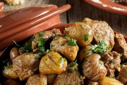 Carne de porco com castanhas à Transmontana