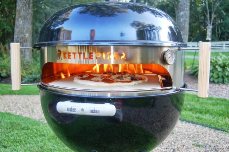 KettlePizza – Deluxe USA Pizza Oven Kit