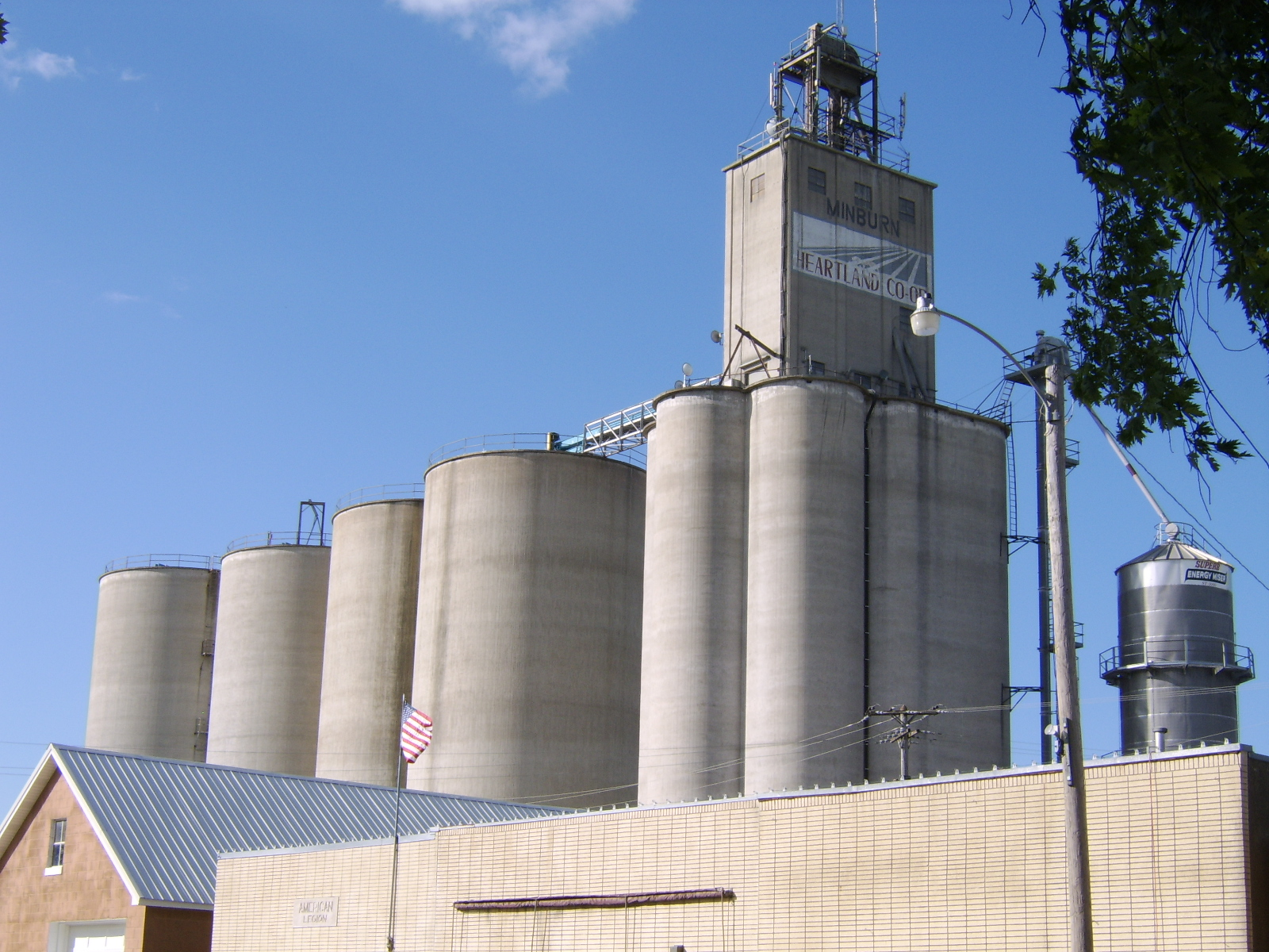 The corn grain elevator of Minburn