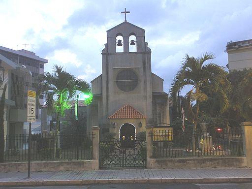 Iglesia_de_la_Santisima_Trinidad,_Barrio_Cuarto,_Ponce,_PR_(6728612217)
