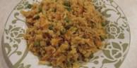 """""""Рис"""" из цветной капусты с анансом и орехами кешью"""