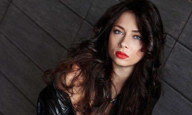 الممثلة الروسية ناستازيا سامبورسكايا