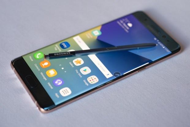 Печально известный Samsung Galaxy Note снова появится в продаже