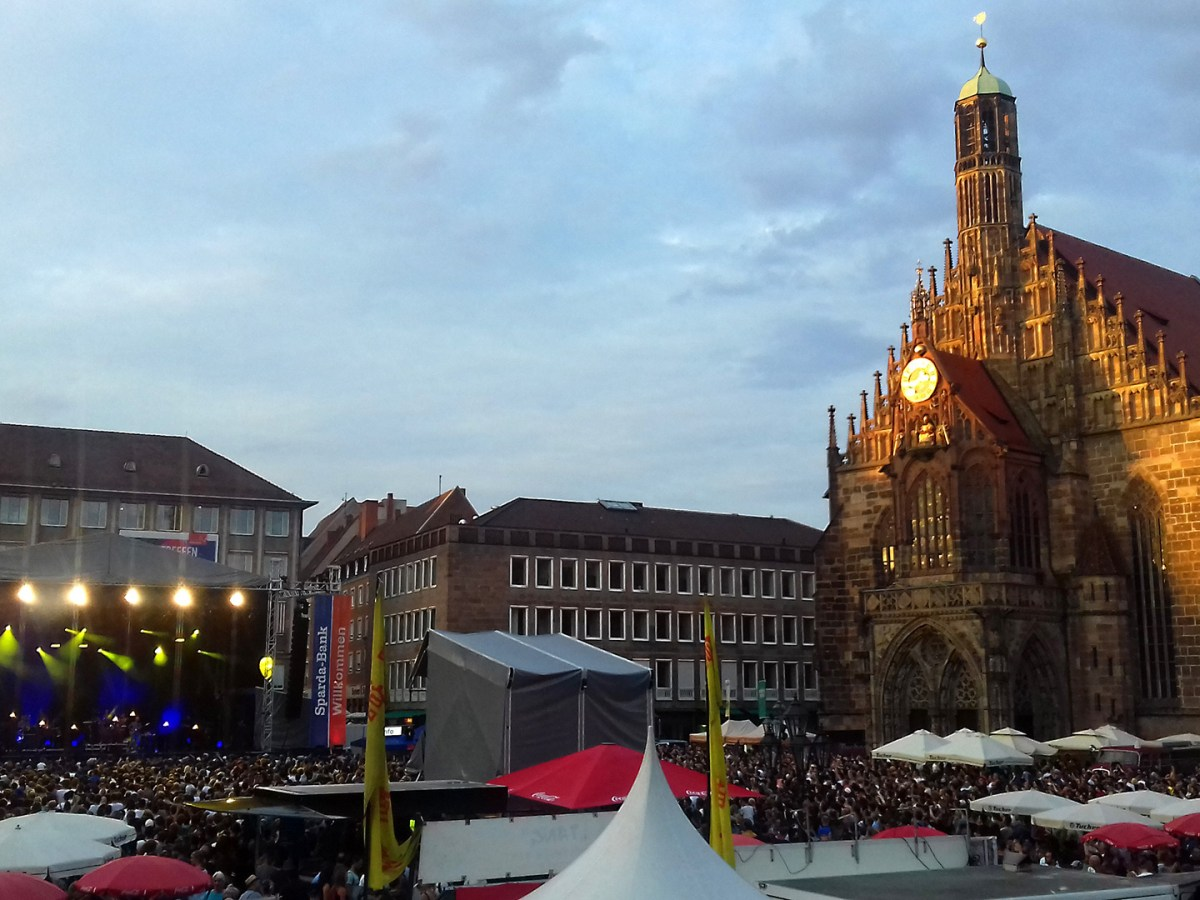 rushBfast - Nürnberg Hauptmarkt - Käptn Peng & Die Tentakel von Delphi