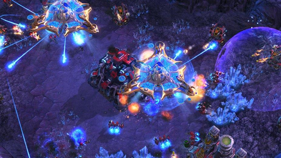 Quelle: Blizzard - Terraner gegen Protoss