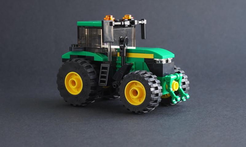 Jonathan Elliott - LEGO John Deere Tractor