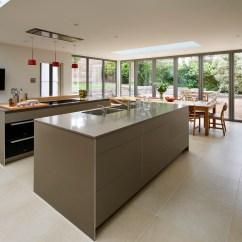 Kitchen Laminate Vans Large Family 厨房建筑 B3粘土层压板与铝边 2x岛 Silestone Unsui工作台面 橡木单板 高块 B3橡木单板 Gaggenau烤箱和一个零下冰箱