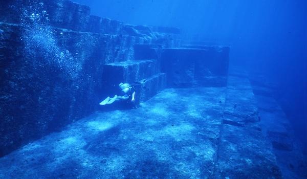 Japananse_underwater_ruins