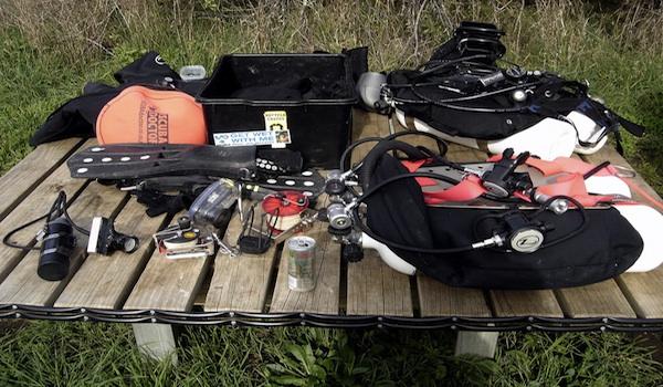 Scuba_equipment