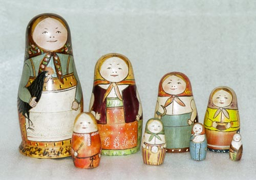 Oprindelig Babushka eller matrjosjka dukke