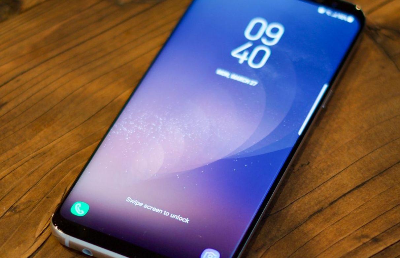 Топ 10 лучших смартфонов 2018 года - Русский Монитор cf25bd3ac486f