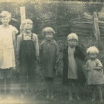 Siblings in a row by age, early 1930s
