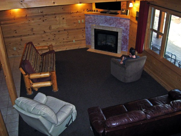 cabin-living-room_3789-hdr