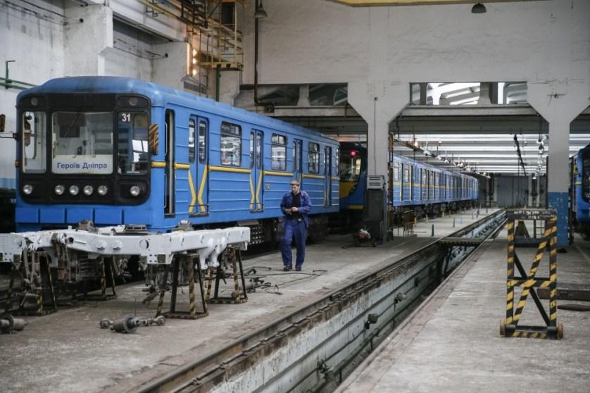__GAR103_UKRAINE-SUBWAY-_0302_11-1456935531_161